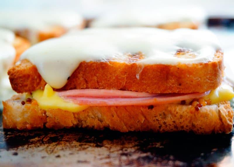Сэндвич крок месье фото