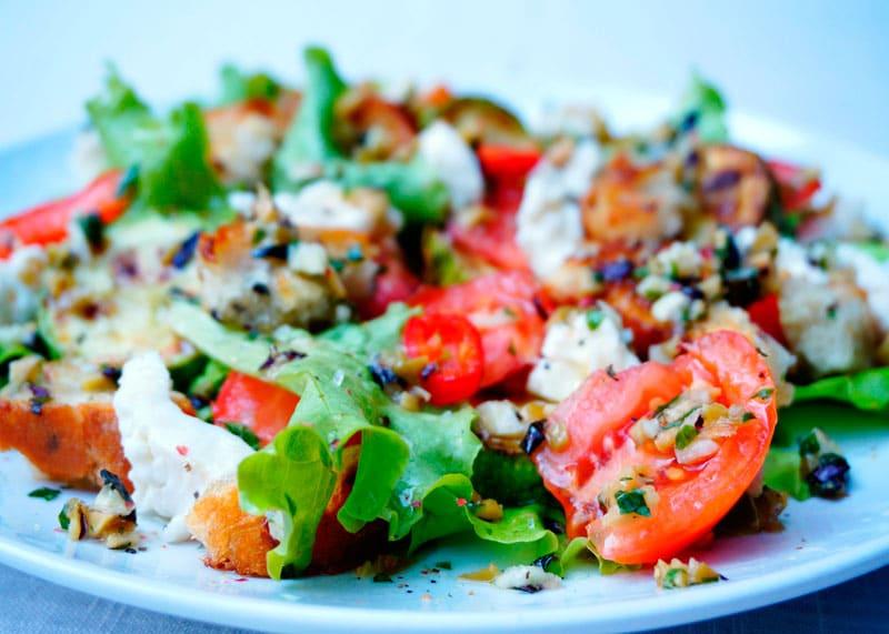 Салат из жаренных кабачков приготовление фото