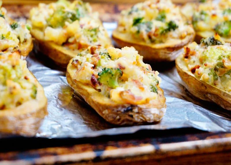 Картофель с начинкой из брокколи фото