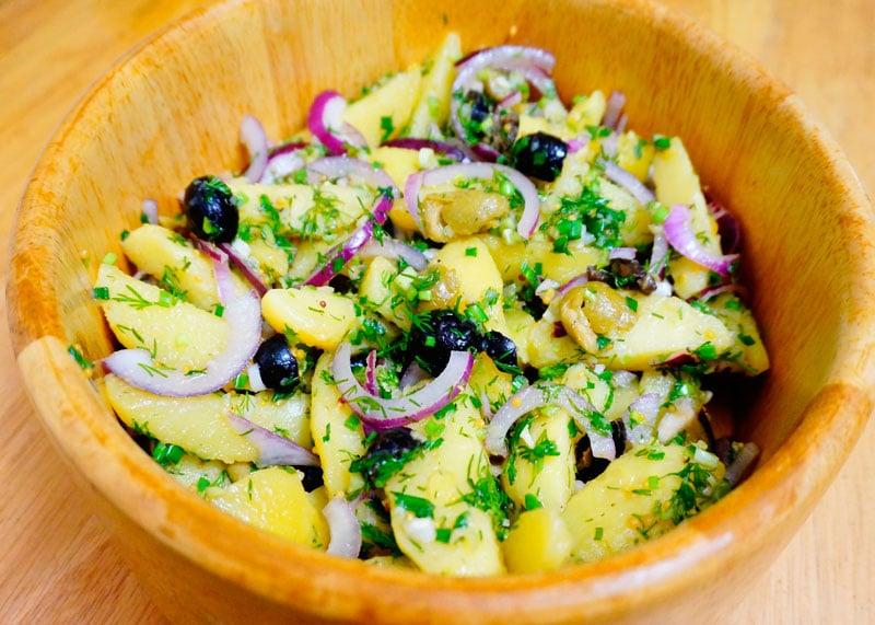 Картофельный салат с Икарии приготовление фото