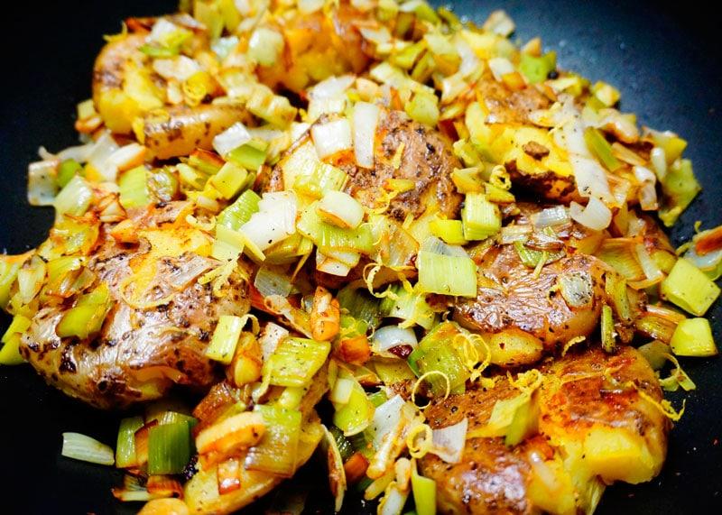 Картошка в мундирах, давленная рецепт приготовления фото