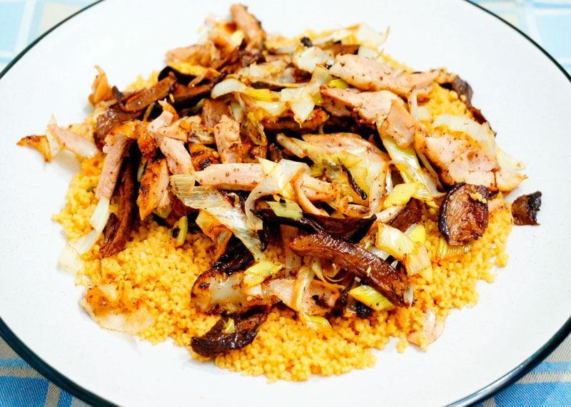 Кус-кус с курицей и белыми грибами рецепт фото