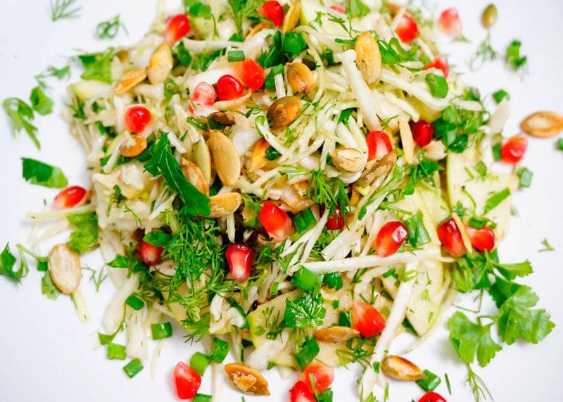 Салат из капусты и граната приготовление фото