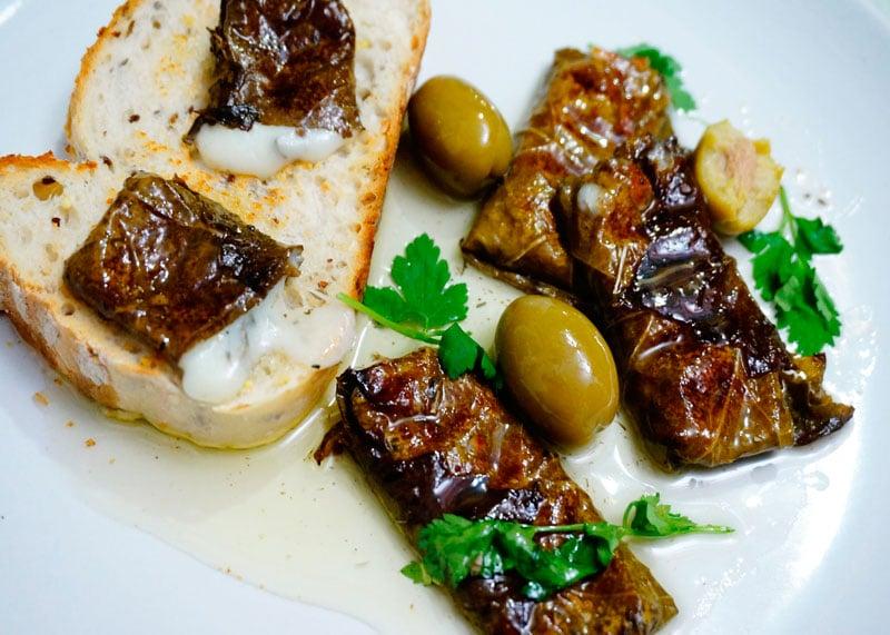 Козий сыр в виноградных листьях рецепт фото
