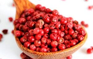 Красный перец горошек фото