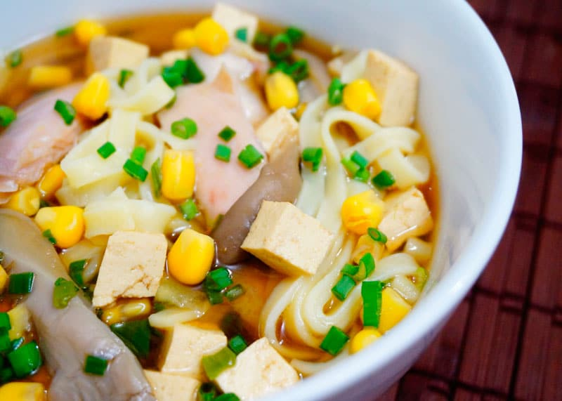 Острый китайский суп с кукурузой фото