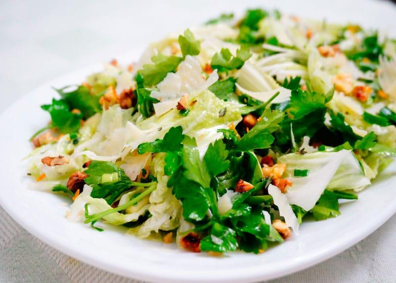 Салат из пекинской капусты и петрушки приготовление фото