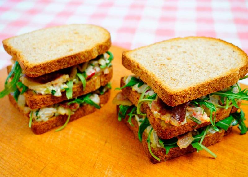 Клубный сэндвич с рыбой фото