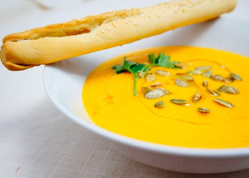Морковный крем-суп с имбирем рецепт фото