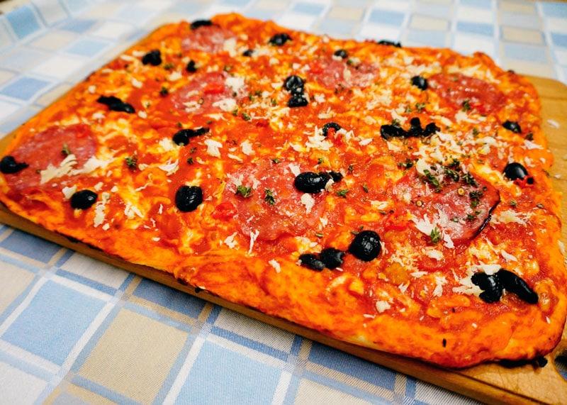 Пицца в сицилийском стиле фото
