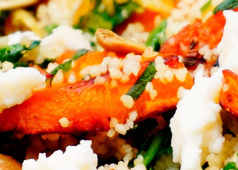 Салат из кус-куса и жареной тыквы рецепт фото