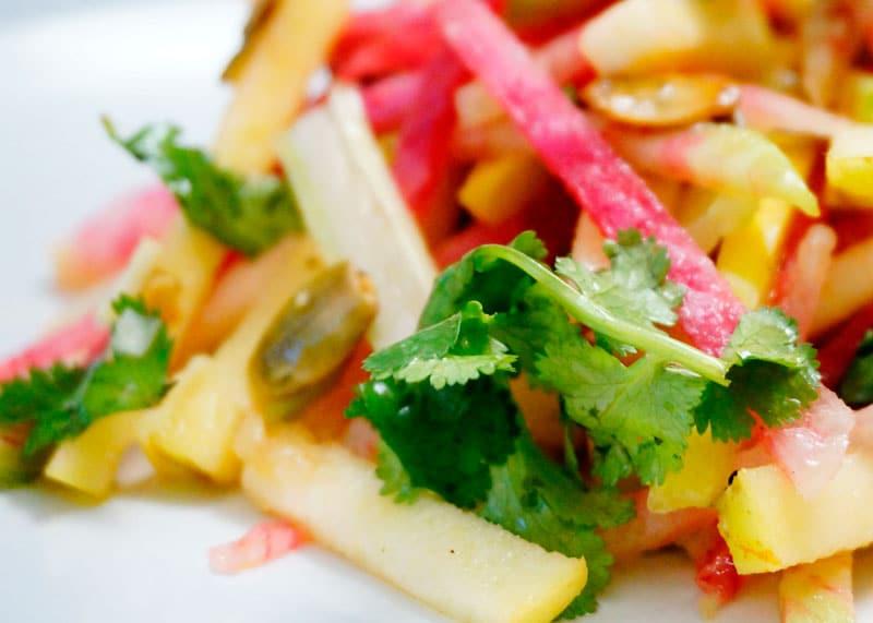 Салат из редьки, яблок и сельдерея рецепт фото