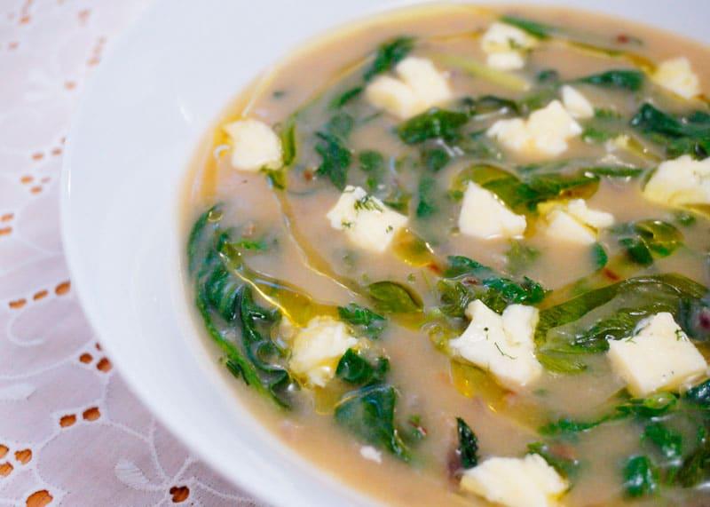 Икарийский суп с кукурузной мукой фото