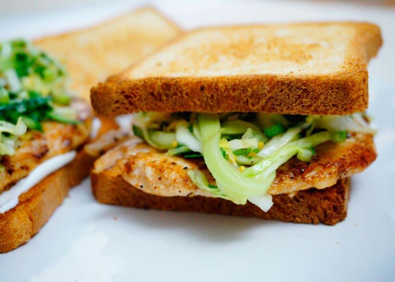Сэндвич с куриной отбивной приготовление фото