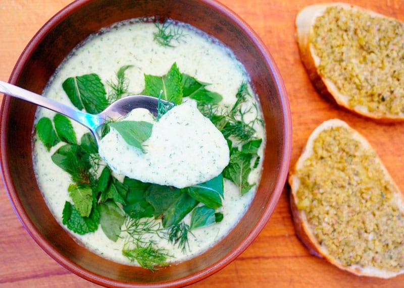 Рецепт холодный суп из овощей и йогурта фото