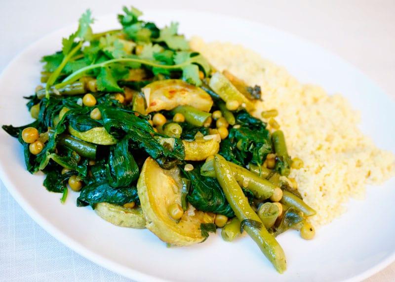 Овощное рагу с зеленым песто фото