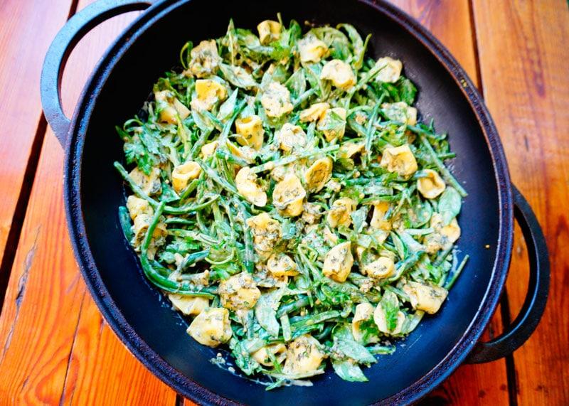 Салат из пасты тортеллини с сыром приготовление фото