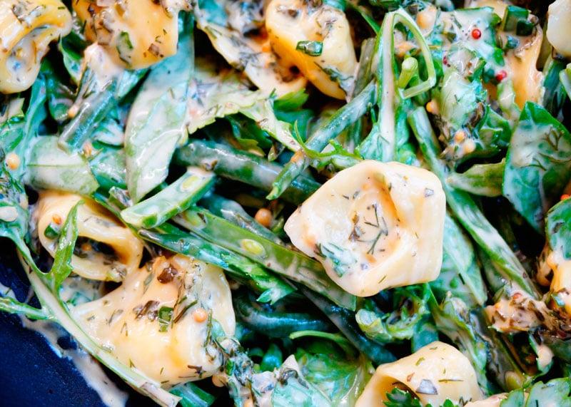 Салат из пасты тортеллини с сыром рецепт фото