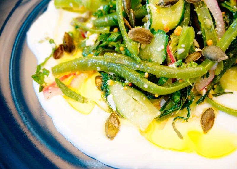 Салат со стручковой фасолью и брокколи рецепт фото