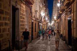 Ночные улицы Кадиса фото