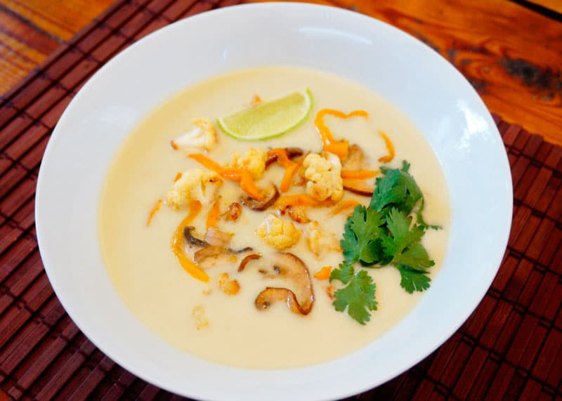 Тайский суп из цуккини и баклажанов фото