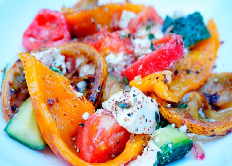 Греческий салат со сладким перцем приготовление фото