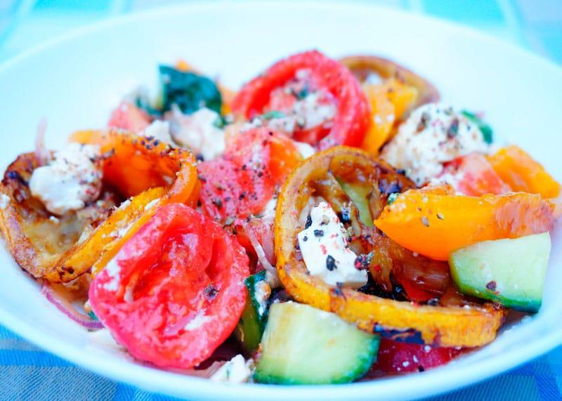 Греческий салат со сладким перцем фото