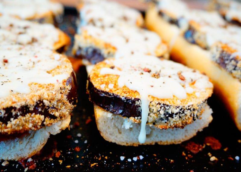 Открытый сэндвич с баклажаном рецепт фото