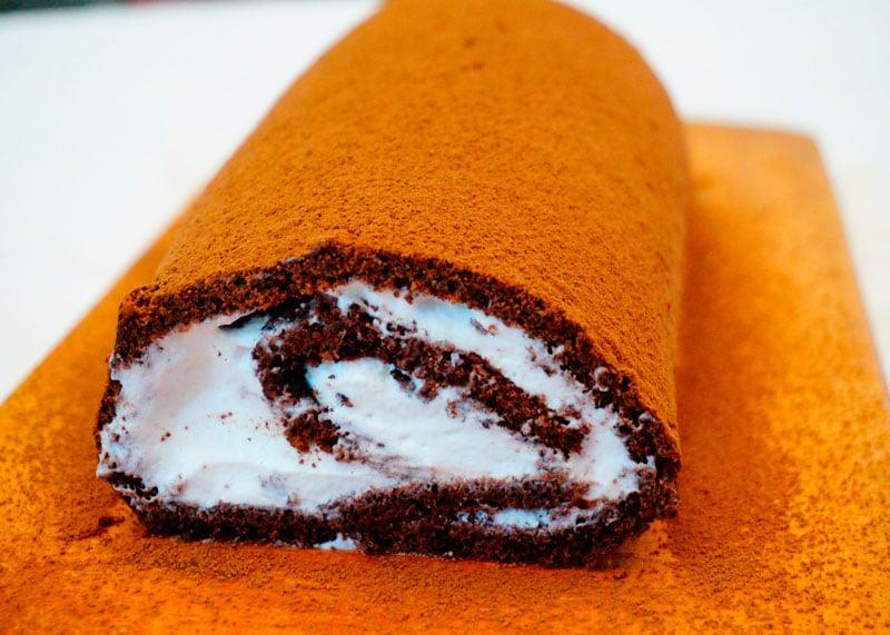Швейцарский шоколадный рулет фото
