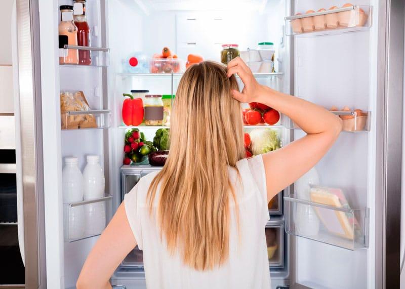 Остатки еды в холодильнике фото