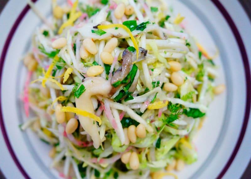 Салат из капусты, свеклы и сельдерея фото