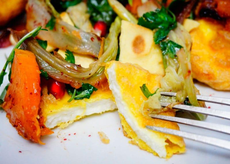 Теплый зеленый салат с сыром рецепт фото