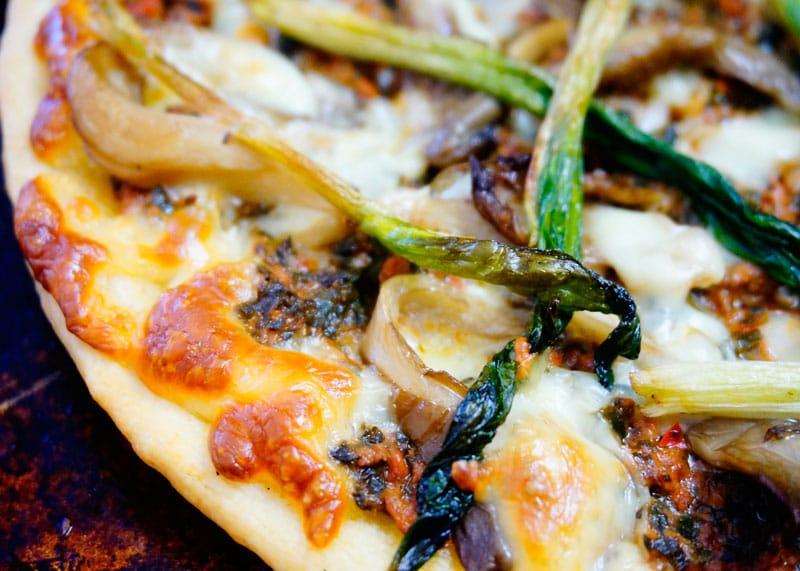 Пицца с рагу из говядины фото