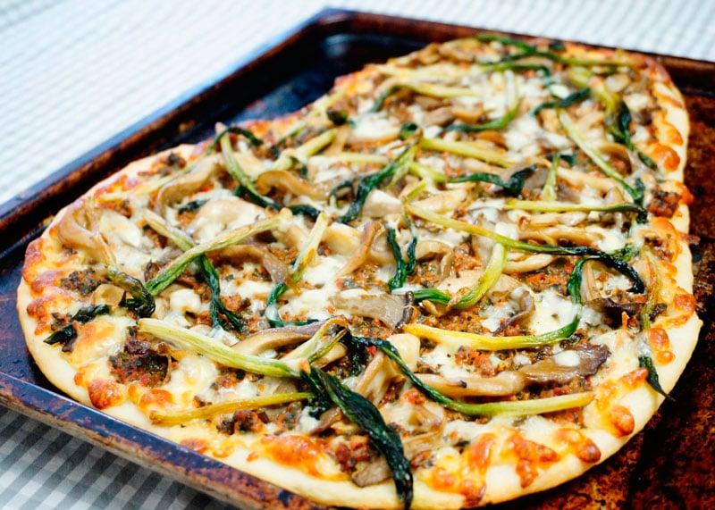 Пицца с рагу из говядины рецепт фото