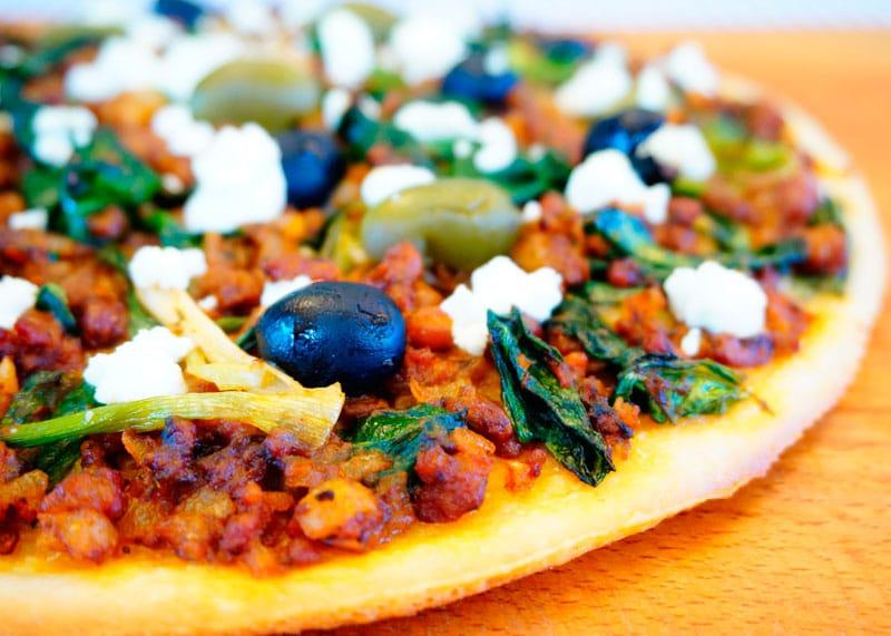 Греческая пицца с бараниной рецепт фото