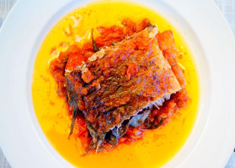 Рецепт Карп под томатно-шалфейным соусом фото