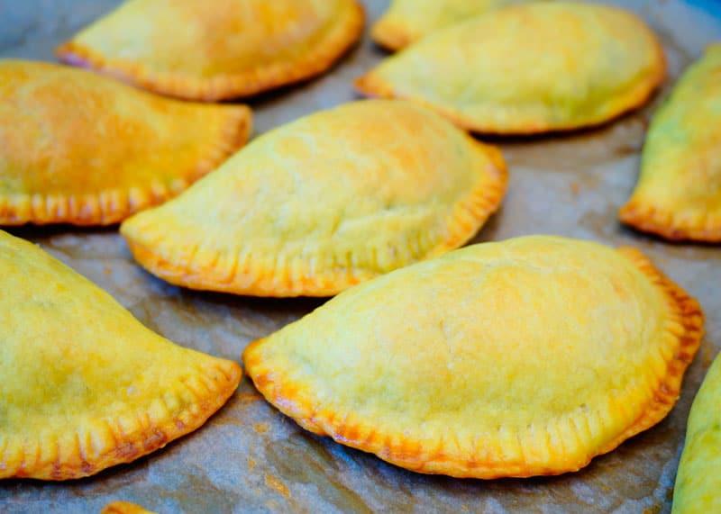 Пирожки с говядиной по-ямайски фото