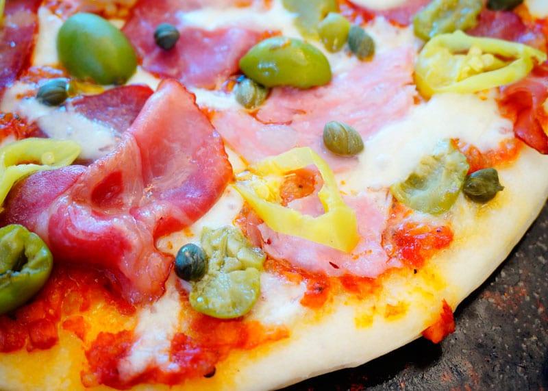 Пицца с капоколло рецепт фото