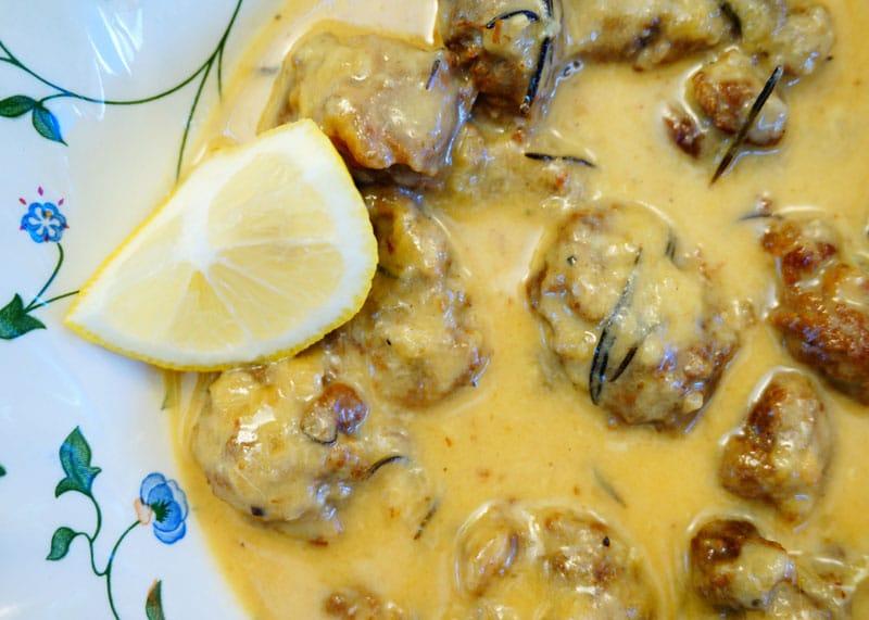 Баранина в яично-сырном соусе рецепт фото