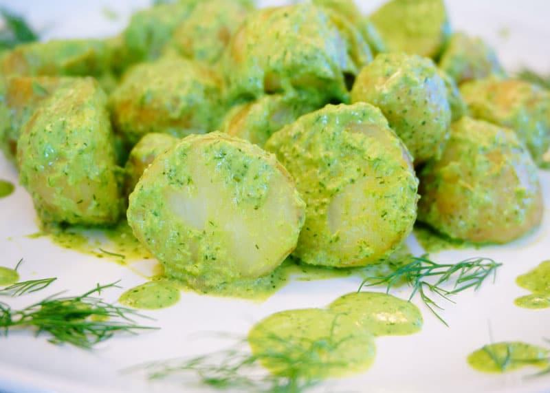 Картофель с заправкой зеленая богиня фото