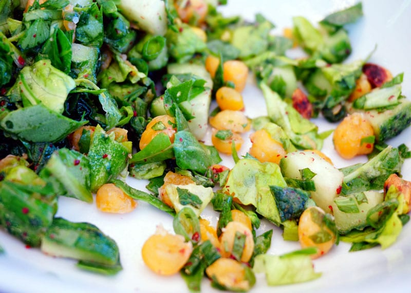 Левантийский салат из огурцов приготовление фото