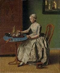 Женщина пьет шоколад фото