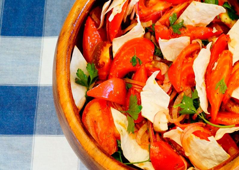 Икарийский салат из помидоров фото