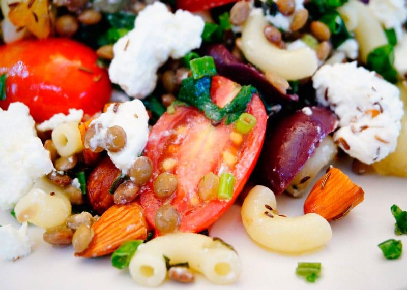 Салат из чечевицы и шпината рецепт фото
