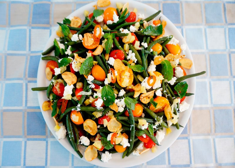 Салат из зеленой фасоли и маринованных лимонов фото