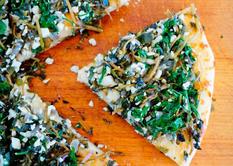 Зеленая и белая пицца рецепт фото