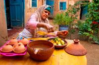 Арабка готовит шармуля фото