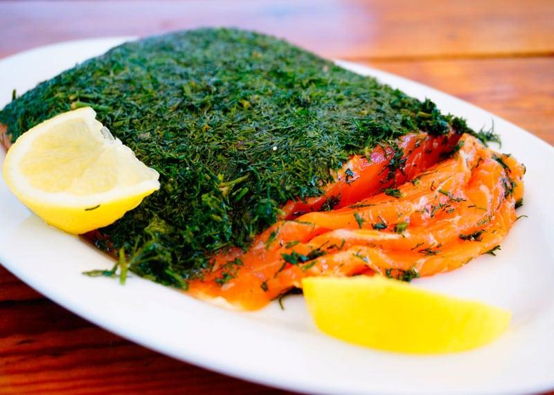 Гравлакс из лосося в маринаде из граппы приготовление фото
