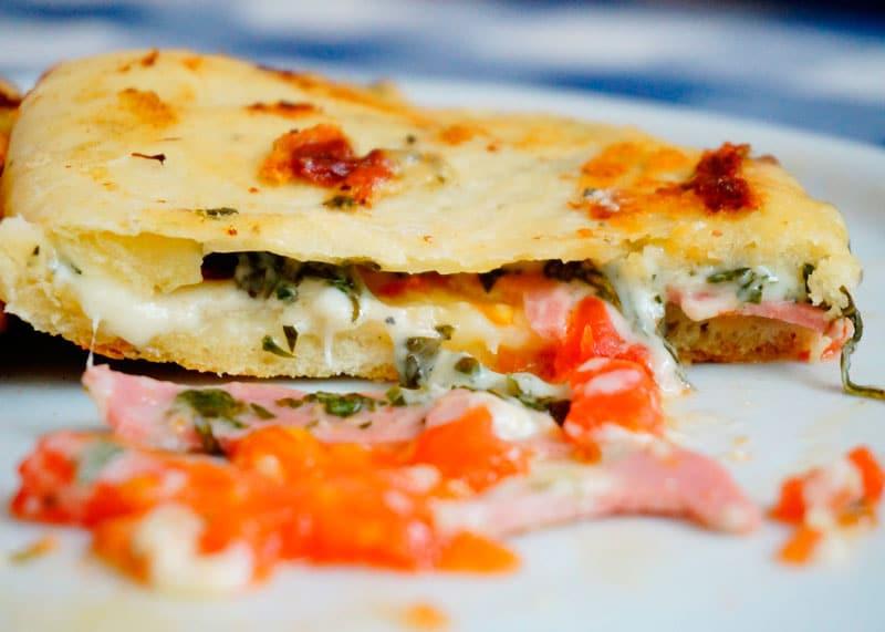 Пицца-сэндвич фото