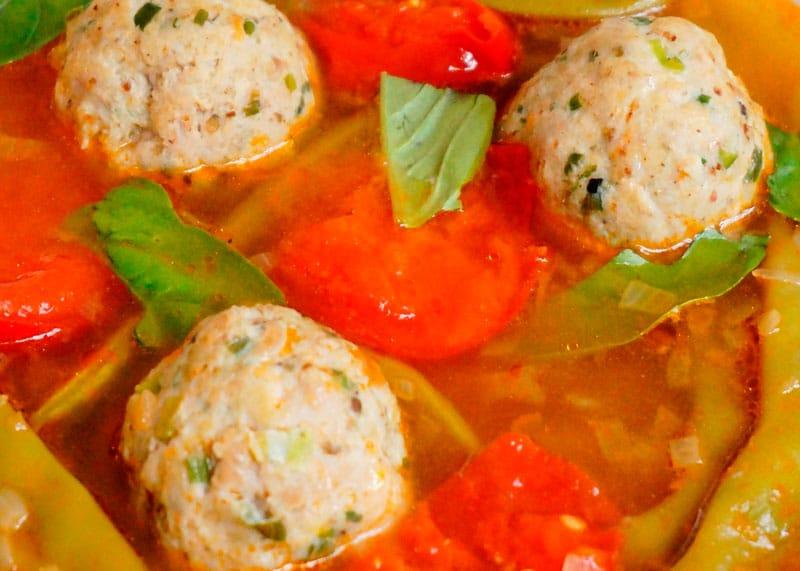 Томатный суп с куриными полпетте приготовление фото
